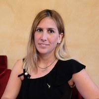Jennifer Serra