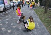 """""""Puliamo il mondo"""", bambine e bambini del Piedibus si prendono cura del percorso che li conduce a scuola"""