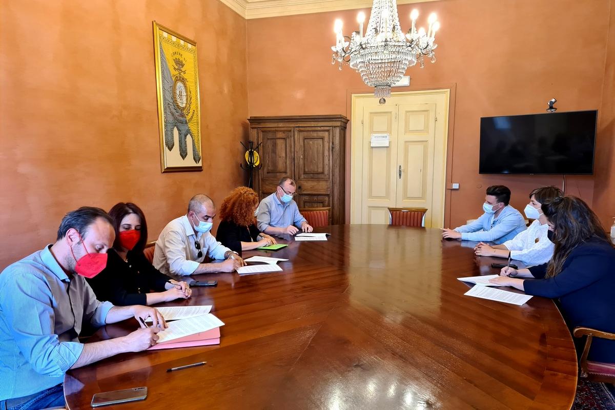 Appalti pubblici, siglato un protocollo d'intesa tra Amministrazione  comunale e organizzazioni sindacali — Comune di Santarcangelo di Romagna