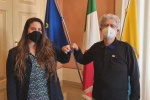 Il ringraziamento dell'Amministrazione comunale al direttore della biblioteca Baldini, Pier Angelo Fontana