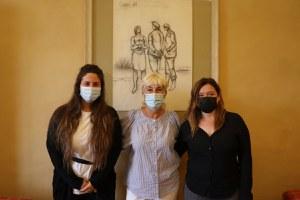 Istituto Einaudi Molari, il saluto della sindaca Alice Parma alla dirigente Maria Rosa Pasini in pensione da settembre