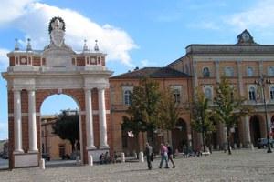 L'Arco dedicato a Papa Clemente XIV Ganganelli diventerà di proprietà del Comune