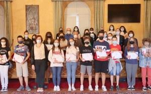 Premiati in Municipio ragazzi e ragazze delle scuole medie che hanno fatto da tutor ai compagni di classe