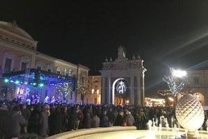Il km quadrato del centro di Santarcangelo ancora una volta gremito per la festa di Capodanno