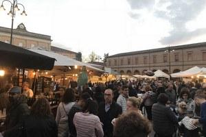 Santarcangelo piazza della Romagna: in 100.000 alla Fiera di San Martino