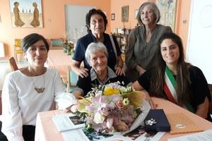 Rina Macrelli compie 90 anni