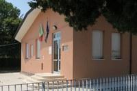Scuola elementare Fratelli Cervi a Sant'Ermete, a giorni i lavori di riqualificazione dell'area esterna