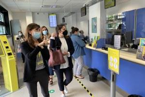 Ufficio postale rinnovato, la visita della sindaca Parma